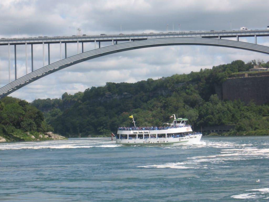 Boat Niagara Falls